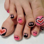 PICTURE OF TOENAIL ART WITH ANTIFUNGAL NAIL POLISH