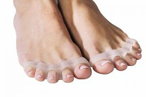 PICTURE OF TOE SEPARATORS FOR OVERLAPPING TOES